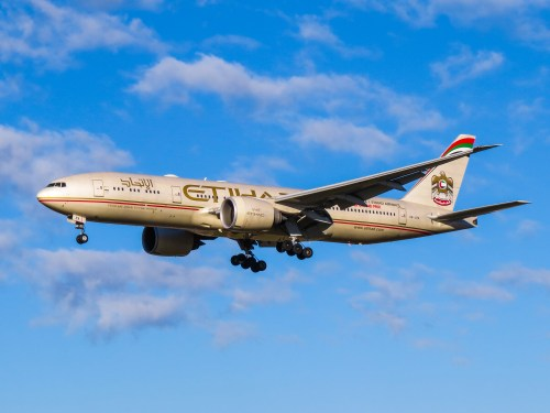 Etihad's 777-200LR, the aircraft operating the Abu Dhabi to DFW route. Photo by Kiefer, used with permission.