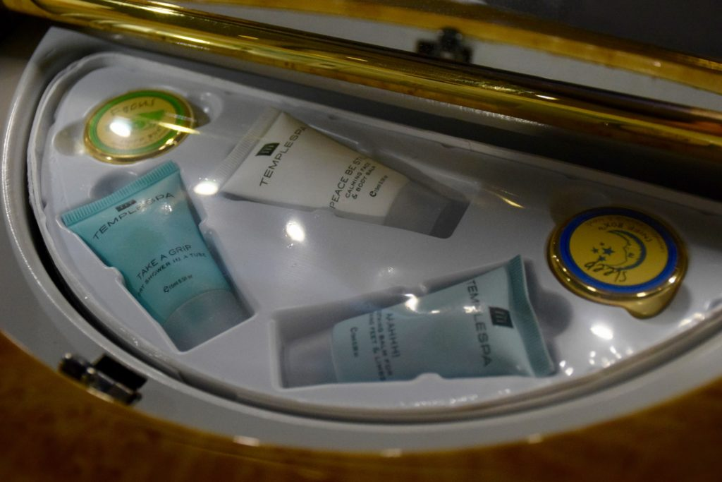 Emirates First Class A380 Travel Kit
