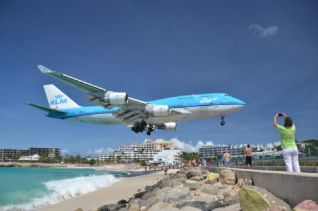 KLM 747 landing in St Maarten Maho Beach. Photo by alljengi/Flickr, used with permission.