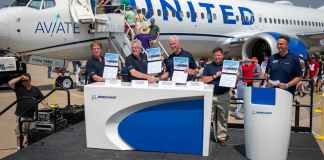 Boeing pilot 2021 EAA AirVenture Monday