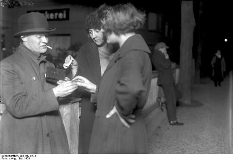 """Prostitutes purchase cocaine from """"Emil."""" May 1929. Bundesarchiv Bild, Creative Commons License."""