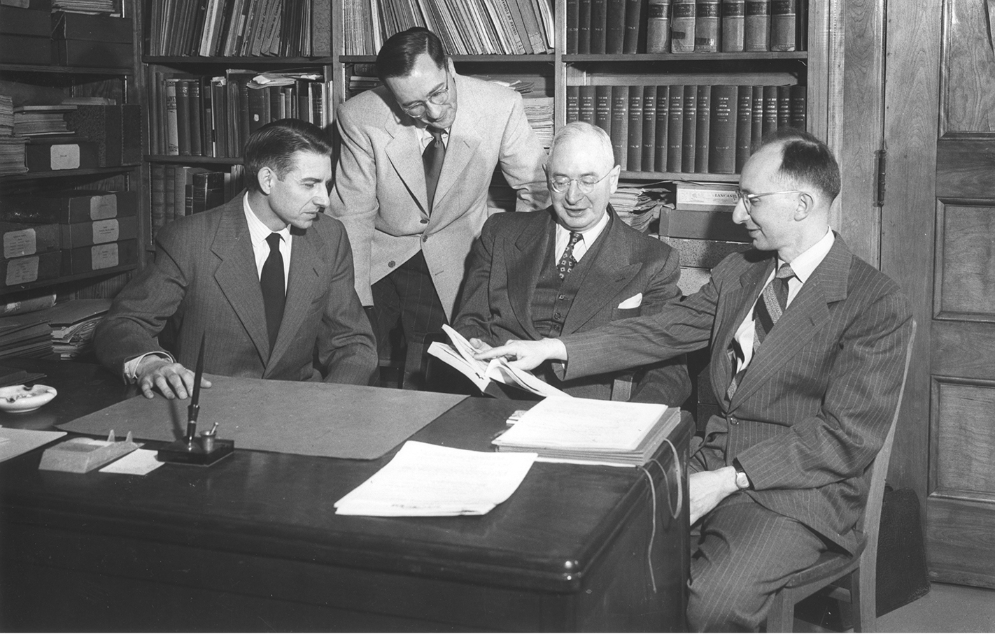 George Urdang and students in 1950