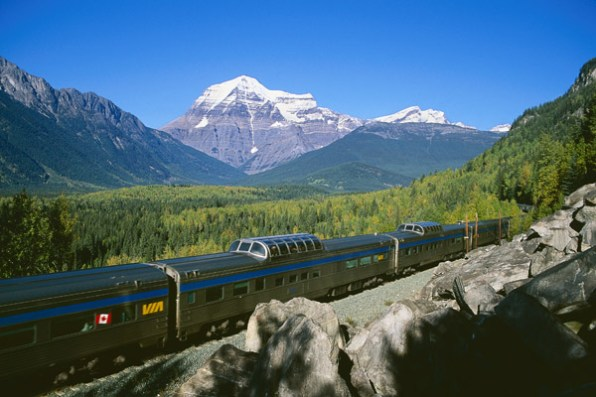canadian-train-vacation
