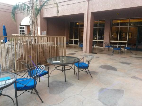hilton_mesa_patio