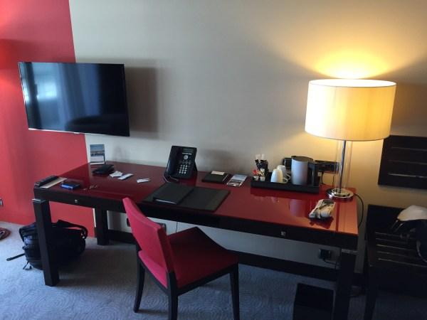 hyatt_nice desk