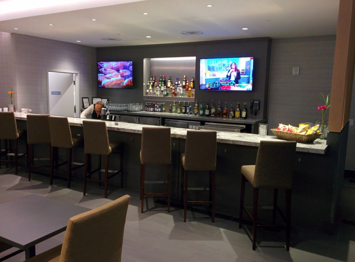Lounge Review: The Club at MCO