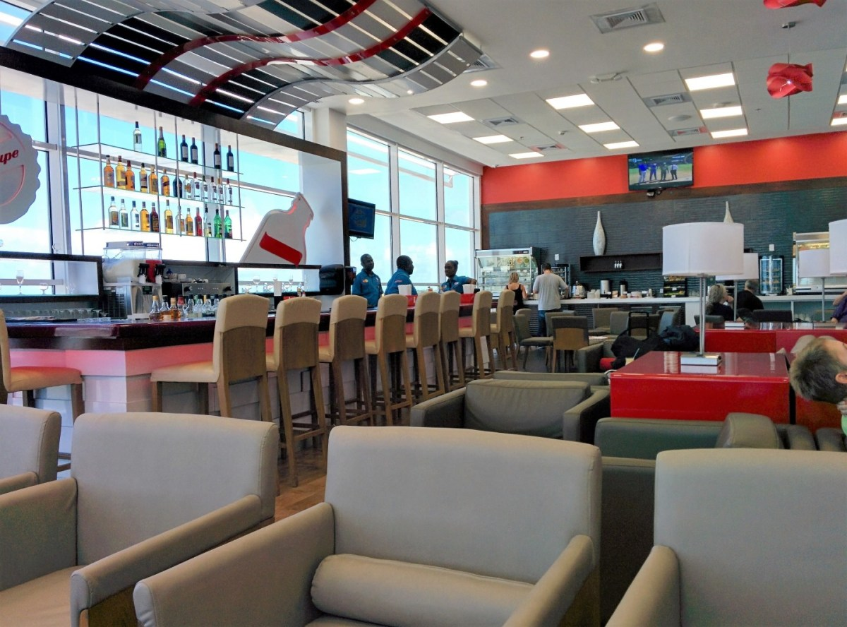 Lounge Review: Club Mobay