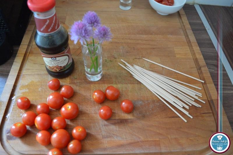 Mini_brochettes_tomates_cerises_fleur_ciboulette_prepa1