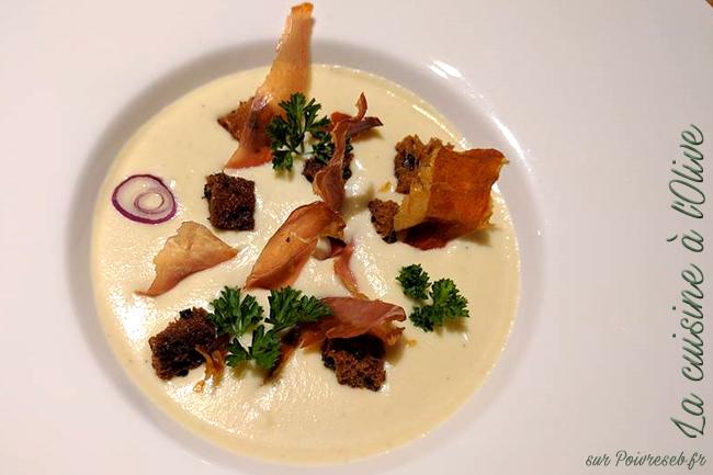 veloute-de-celeri-croutons-persillade