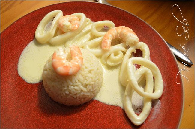 Anneaux de calamars à la sauce coco, citronnée et curry