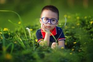 dítě brýle