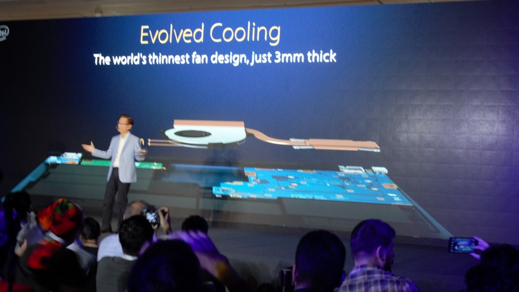 World's thinnest fan design at 3mm. Claiming it's throne LIVE before thousands of eyes.