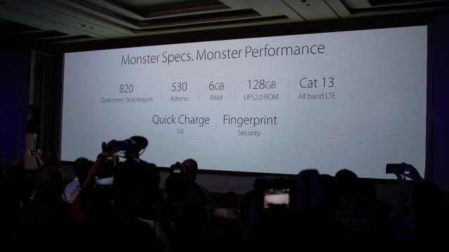 I don't even have words to describe these monstrous specs. If you are already on a 64-bit smartphone, you try to explain this to yourself - if you manage to. PERFECT!