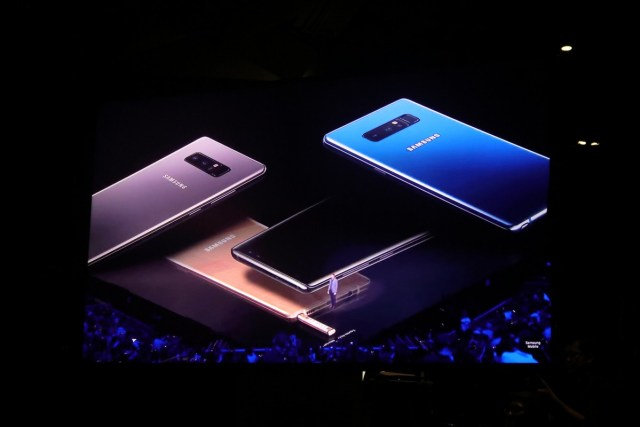 Samsung Lifts The Lid off The Samsung Galaxy Note 8 - A Note of redemption? 28