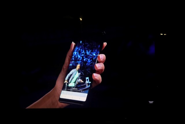 Samsung Lifts The Lid off The Samsung Galaxy Note 8 - A Note of redemption? 26