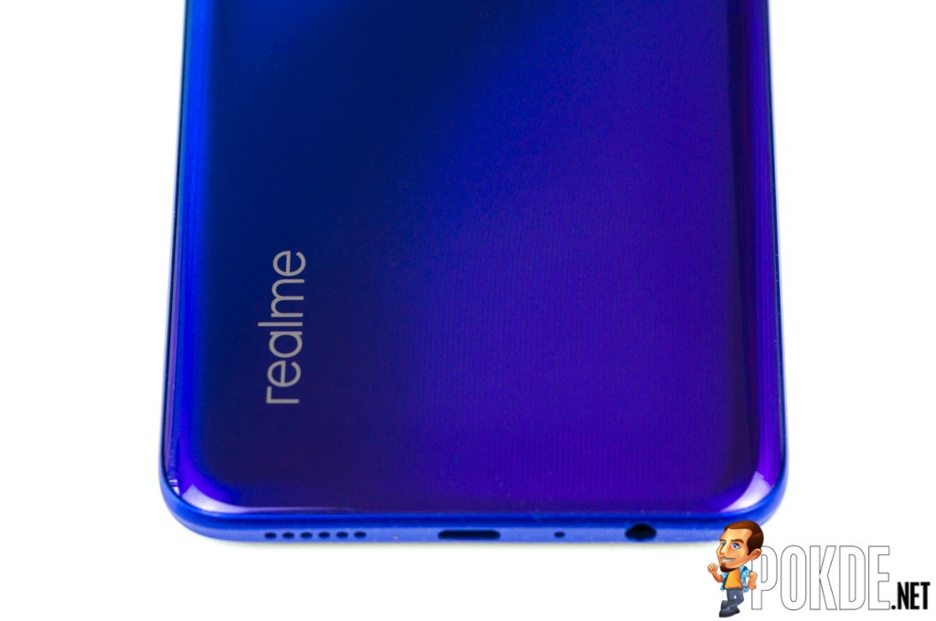 realme 3 Pro Review — upgraded hardware, refined software 28