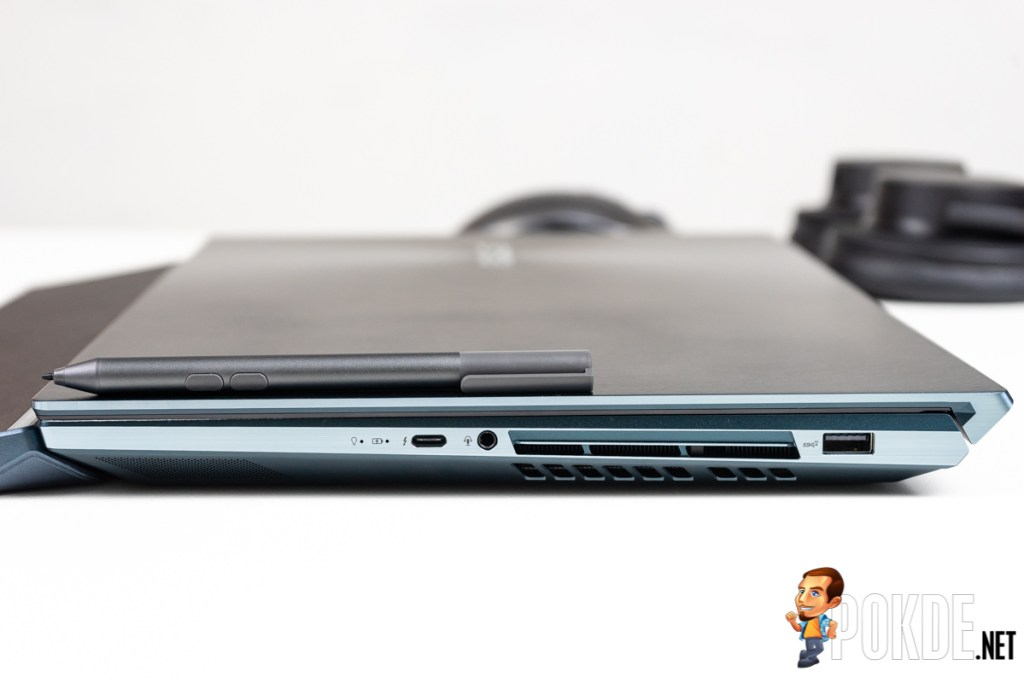 ASUS ZenBook Pro Duo 15 right side
