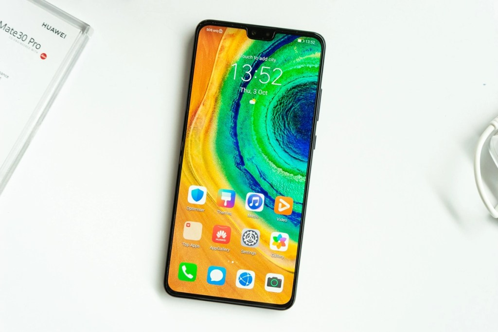 HUAWEI Mate 30 Review — the better of the duo? 40