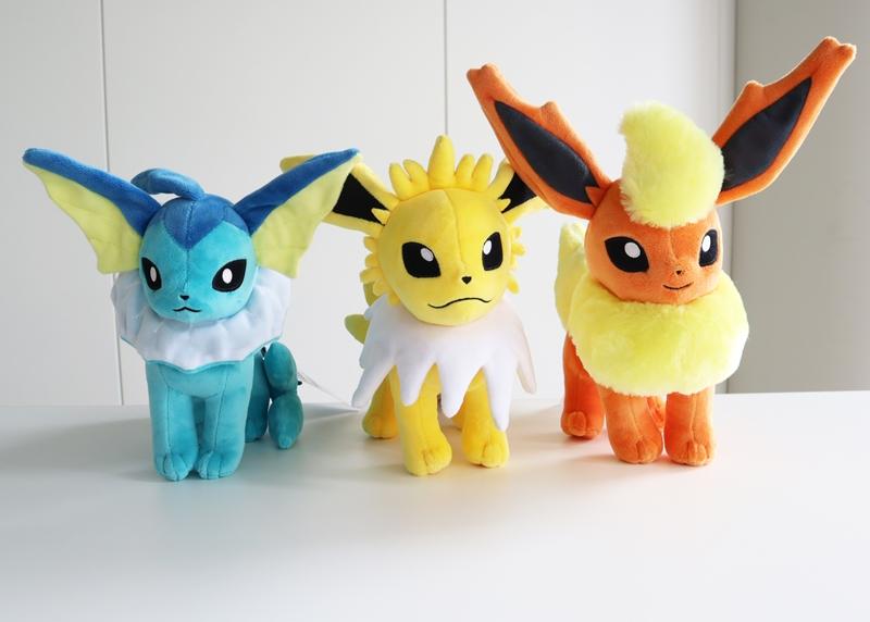 Eievui-Collection-Pokemon-Center