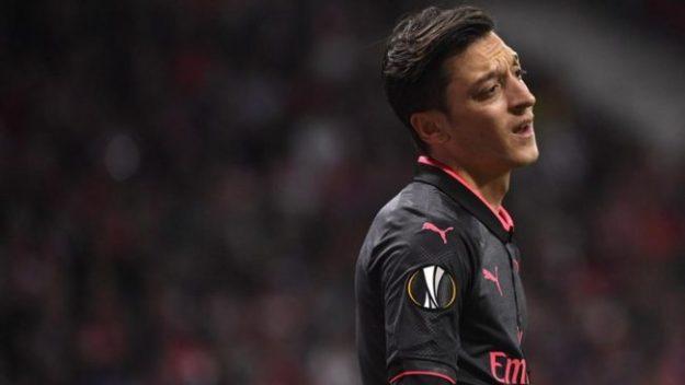 Inter Milan dikabarkan sangat minat untuk memboyong gelandang asal Arsenal, Mesut Ozil