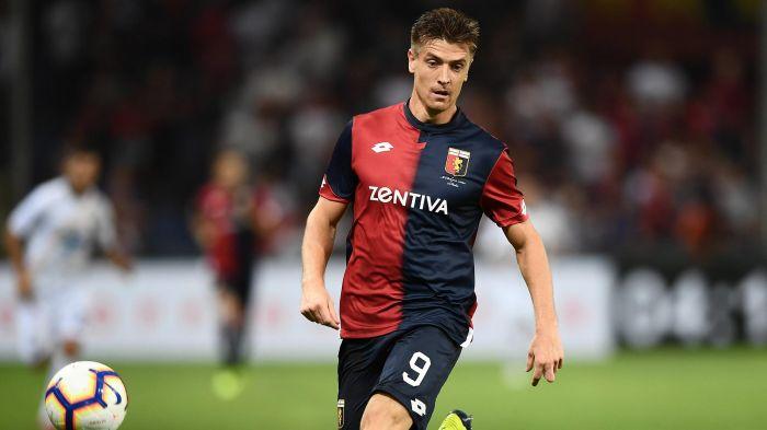 Real Madrid Kemungkinan Bajak Striker Genoa