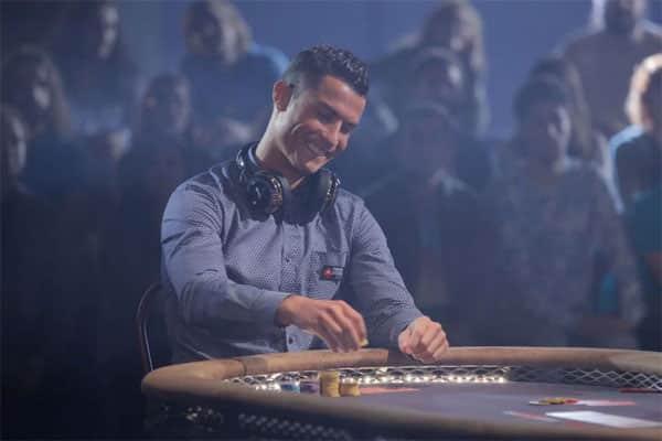 [:vi]C Ronaldo chơi Poker với Aaron Paul[:]