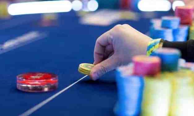 Poker Straddle: Cách chơi Poker Texas Hold'em TỐT hay XẤU?