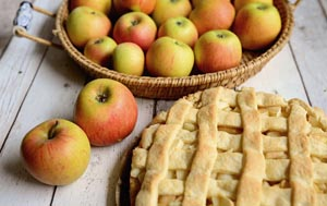 Photo of Apples and an apple pie