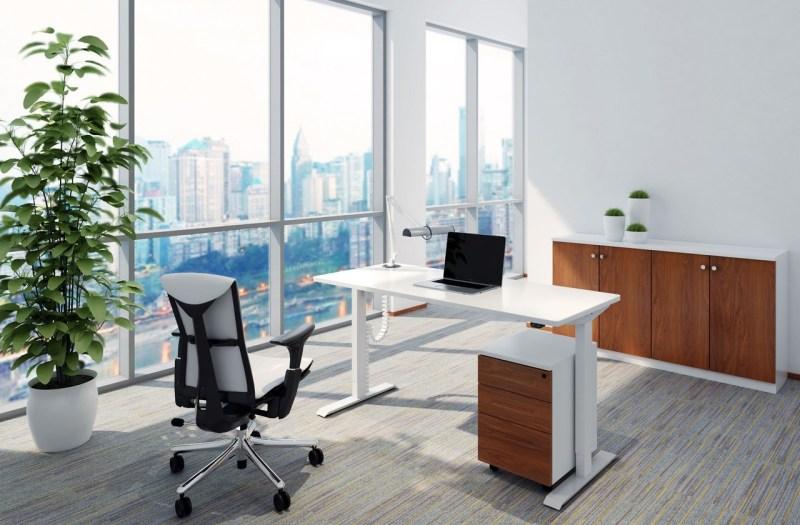 Biurko białe z elektrycznie regulowaną wysokością do pracy przed komputerem na stojąco i siedząco, Basic E100