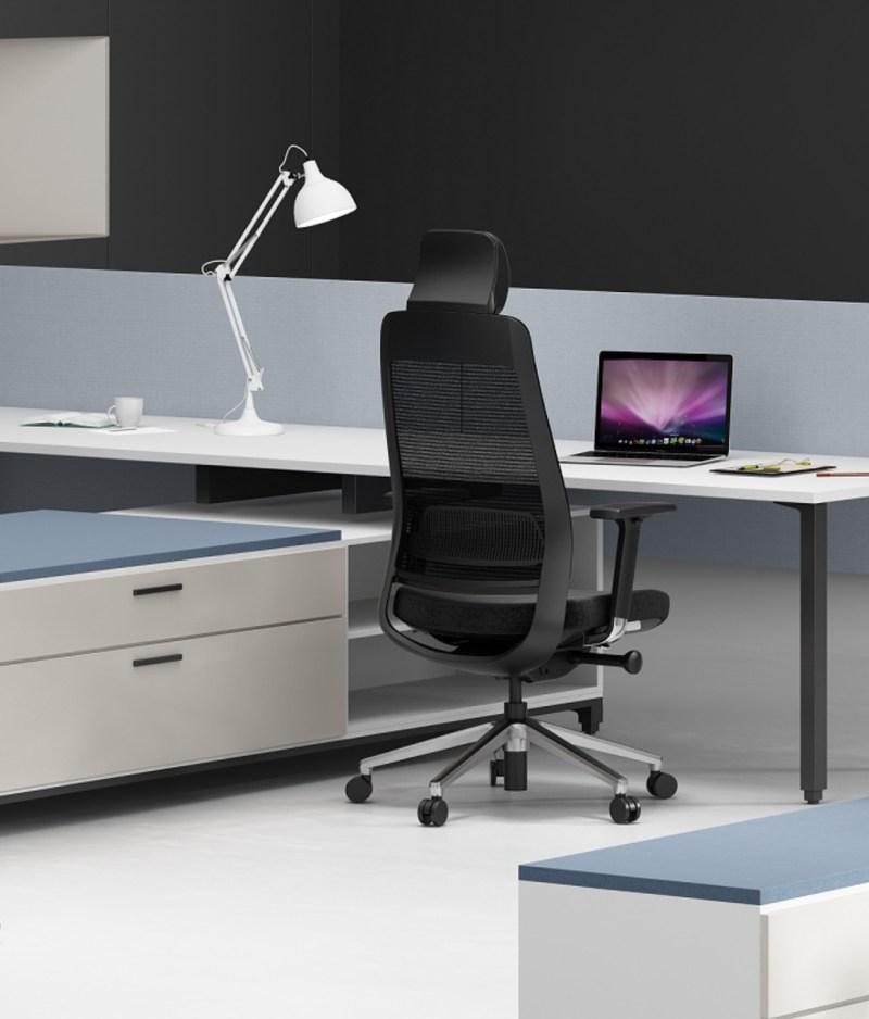 fotel ergonomiczny Shine EFG 100B w biurze