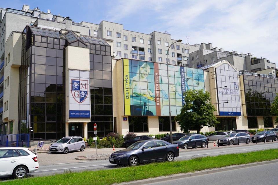 Университет Косметологии в Варшаве