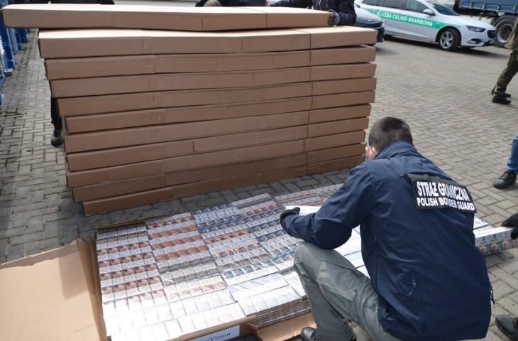 Рекордная партия контрабандных сигарет стоимостью около $10 млн задержана в Польше