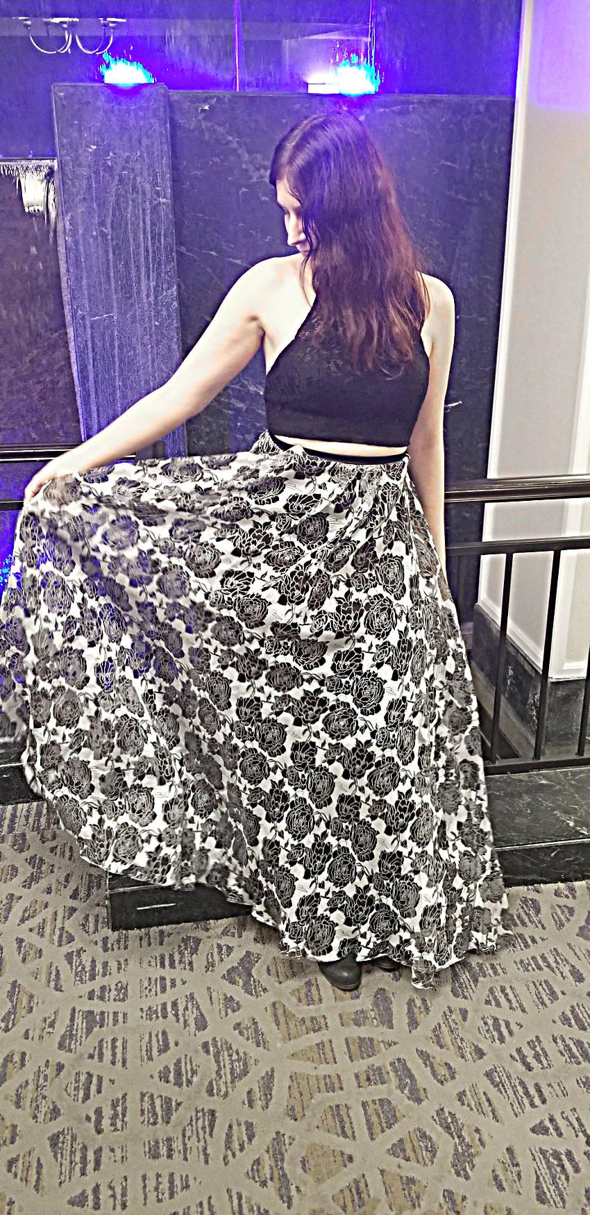 Polar Bear Style Black White Chiffon Roses Lace Two-Piece Dress