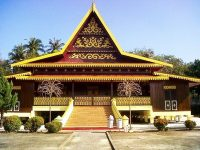 Apa Nama Rumah Adat Kalimantan Barat