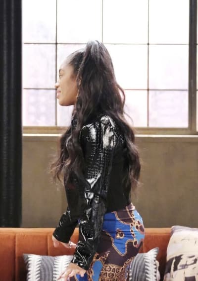 Chanel Confides In Lani / Tall - Days of Our Lives