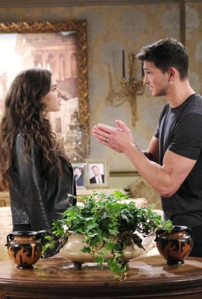 Fighting Over Justin / Tall - Days of Our Lives