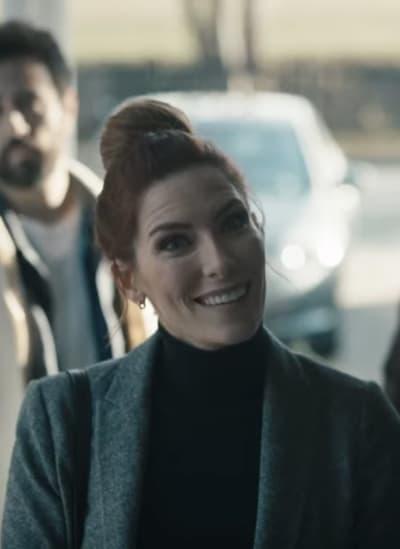 Sarah Levy as Susan Ireland - SurrealEstate