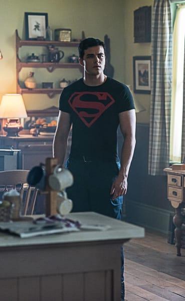 Welcome, Superboy - Titans Season 2 Episode 6