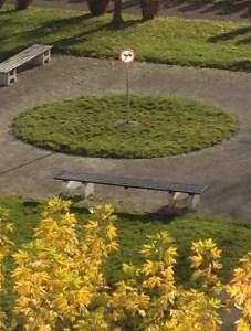 Znak v parku