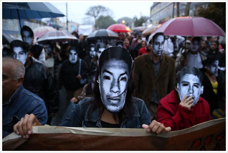 Marcha por estudiantes de Ayotzinapa. Foto: Montecruz/Flickr
