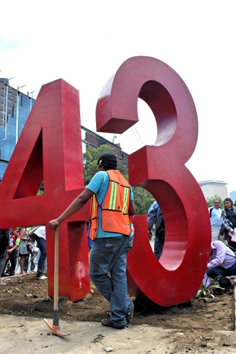 Instalación del Antimonumento +43. Fotos: Alfredo López Casanova e Ivelín Meza