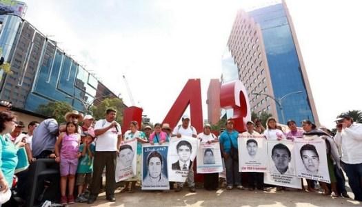 La provocación de Mancera en la manifestación por los 43