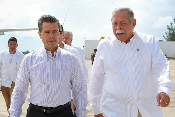 Egidio Torre Cantú con Enrique Peña Nieto.
