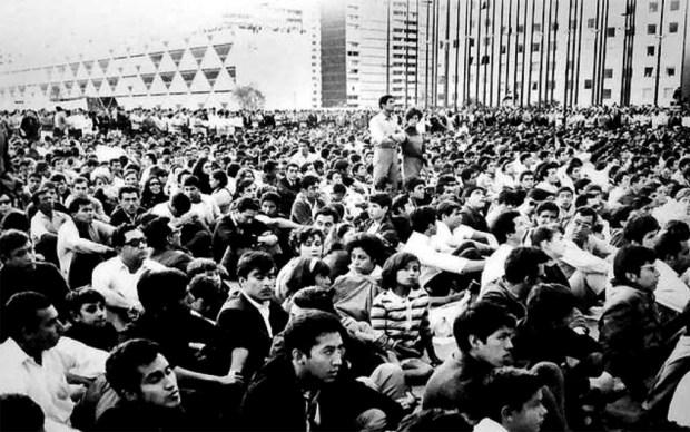 Multitud de estudiantes en 1968.