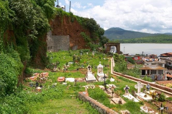 Cementerio en Janitzio. Foto: Angel Gonzalez Hereza/Flickr