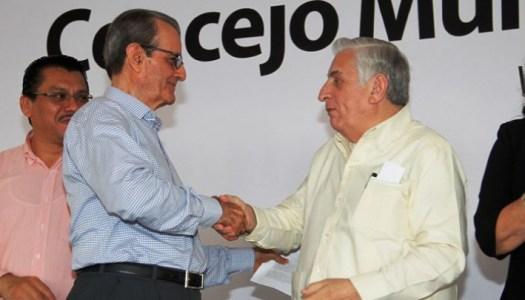 """""""Con dinero baila el perro"""", así define vocero de Arturo Nuñez a periodistas"""
