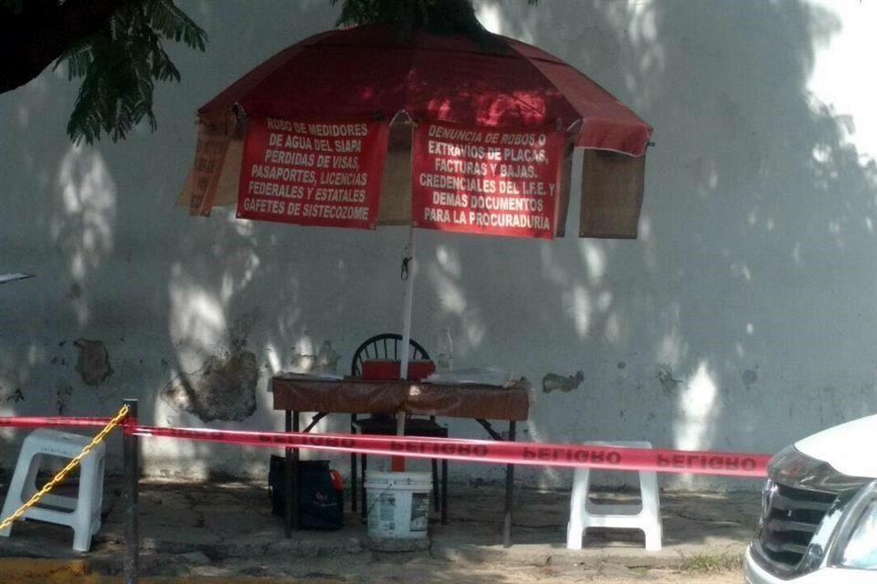 Puesto en el que Luis Homero Águila laboraba a las afueras de las instalaciones de la Fiscalía, en la calle 14. Foto: Especial