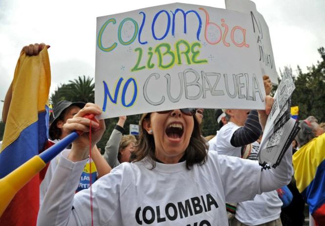 Partidarios del NO a la paz en Colombia.
