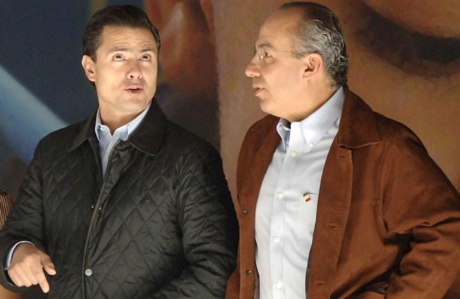 Enrique Peña Nieto y Felipe Calderón FOTO: Miguel Dimayuga