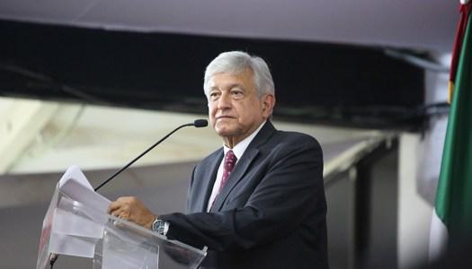 López Obrador, quien marca la agenda y obsesiona a la derecha